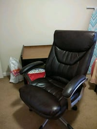 Black rotating chair Schenectady County, 12309