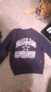 Youth large dallas cowboy swearshirt Mobile