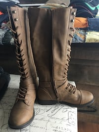 Dress Boots (Knee High) Never Worn Ladies 6 West Grey, N0C