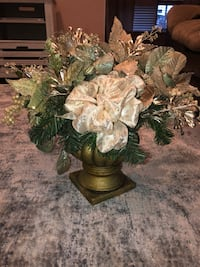 Holiday gold flower decor