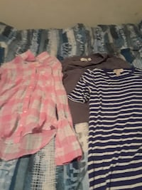 Lot of 3 shirts sizes small and extra small Mastic