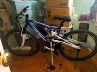 Genesis v2900 mens mountain bike with tire pump West Springfield, 22152