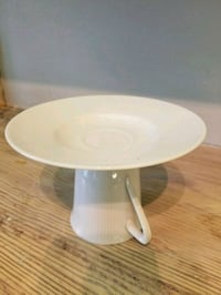 round white wooden pedestal table Purcellville, 20132