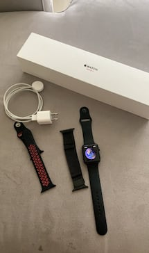 Apple watch 3 series 42 mm cellular, with 2 extra bands and it's charger