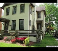 HOUSE For Rent 1.5BA Freehold