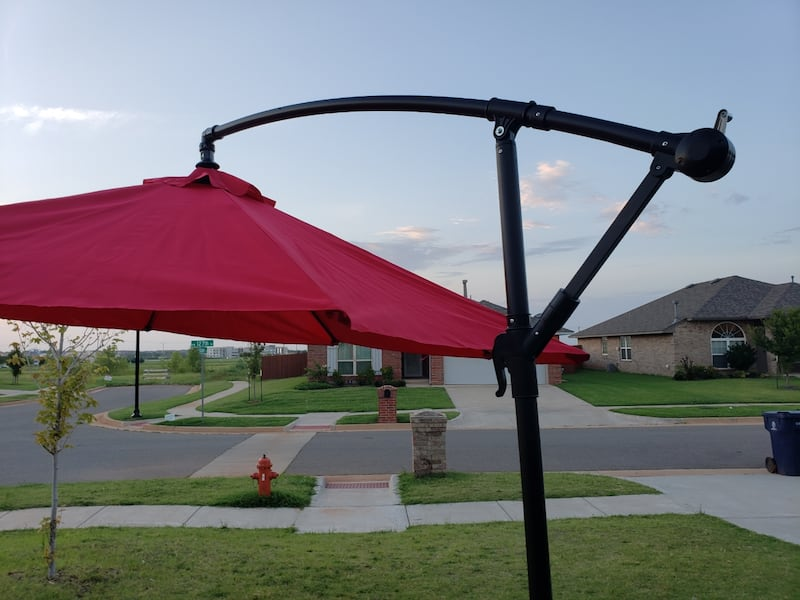 10 F Outdoor Umbrella With Metal Base  5