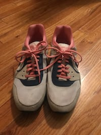 Nike Shoes - Size 10 Lubbock, 79413