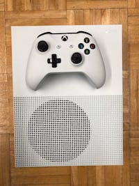 Xbox One S 500GB - Wires and Controller Included   219 mi