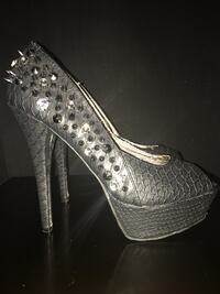 Studded heels size 9 Calgary, T2A 7R1