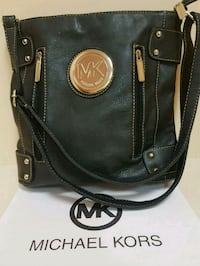 Michael  Kors  shoulder  bag  Whitby, L1N 8X2