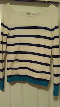 white and blue stripe printed long sleeve shirt