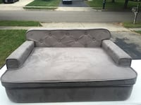 Gray dog sofa  Columbus, 43221