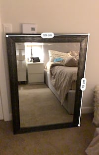 Beautiful mirror brand new. I move to new place and it doesn't fit with new decorations. Burnaby, V3N