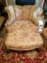 Chair moving must go asap excellent condition  Woodstock, 30188