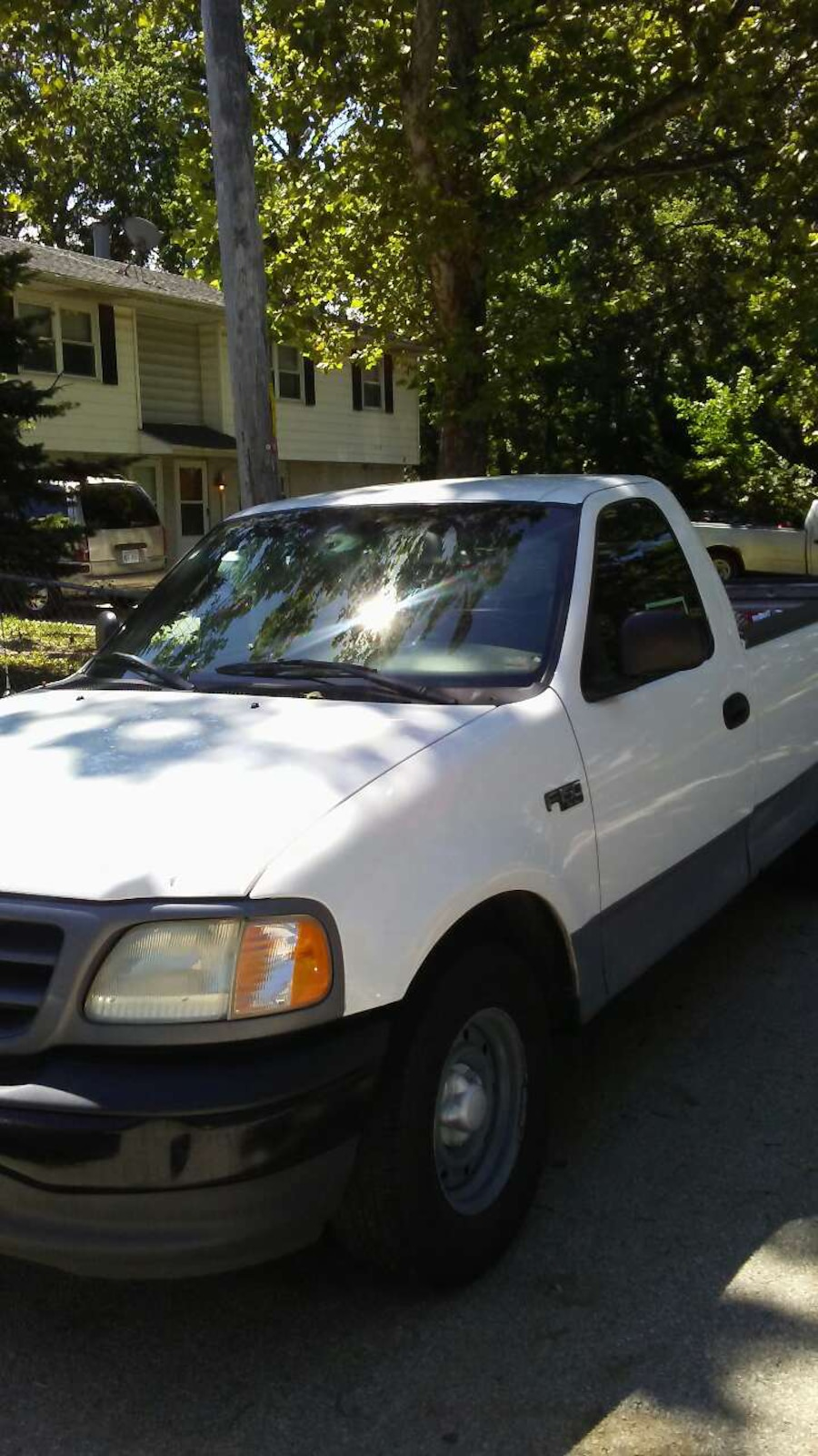 Ford - F-150 - 2001 - $2,500