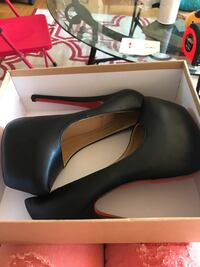 Size 7, 5 inch look alike Christian Louboutins Mississauga, L5B 1M8