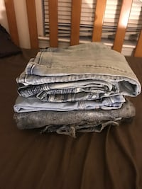 3 pairs of shorts and 2 pairs of jeans Hyattsville, 20785