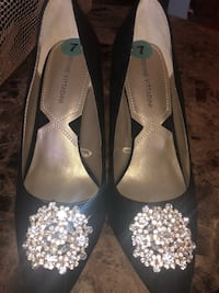 SIZE 7 worn once Des Moines, 50315
