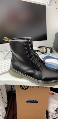 pair of black leather work boots 47 km