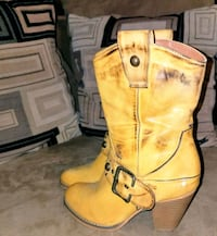 pair of brown leather work boots Pasadena, 21122