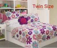 Twin Size Floral Quilt set  Richmond Hill, L4C 3T9