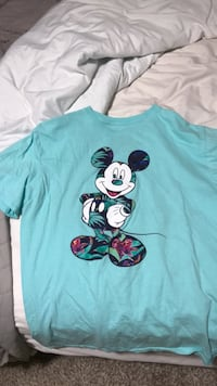 teal Mickey Mouse print crew neck shirt Abilene, 79601