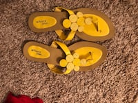 pair of brown-and-yellow sandals McDonough, 30253