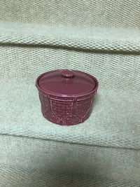 Longerberger pottery small burgundy drum Falling Waters, 25419