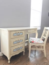 French style desk/ vanity table with a matching chair that has brand new cushion  Denver, 80239