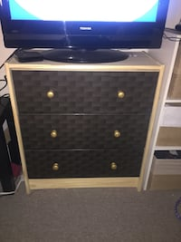 Drawer chest Toronto, M5T 1T7