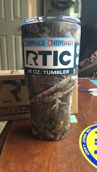 NEW RTIC 30 oz camo tumbler Katy, 77494