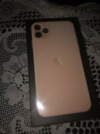 Brand new Iphone 11 Pro Max gold 512GB