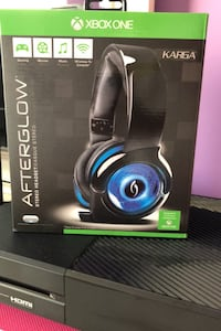 Xbox one headset negotiable  Dollard-des-Ormeaux, H9B 1P9