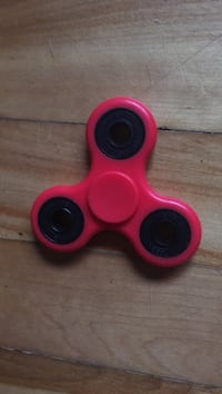 Red and black fidget spinner Châteauguay, J6J 2C4