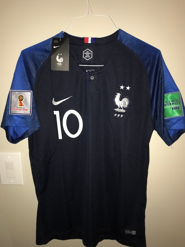 07997c5d4d0 Brukt Brand New (L  XL available)Mbappe  10 Nike home France Jersey with  tags and World Cup shoulders patches til salgs i Somerset - letgo