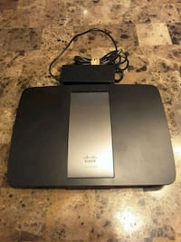 Linksys EA6500 wireless router  Laval, H7S 2L1
