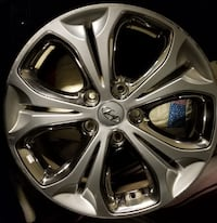 "RIMS 17"" OEM Hyundai 2013 - Set of 4. Finish SILVER; Bolt Pattern 5-115; Offset 53mm; Size 17x7. Local pickup only. 31 km"