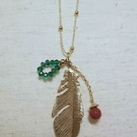 gold-colored feather pendant Hot Springs, 71901
