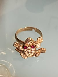 Rose gold frog ring size 5 (new)