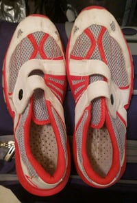pair of white-and-red Nike running shoes Lancaster, 43130