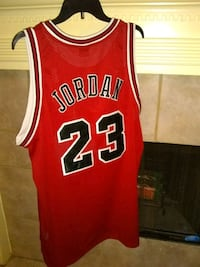 red and white Chicago Bulls 23 jersey Houston, 77066