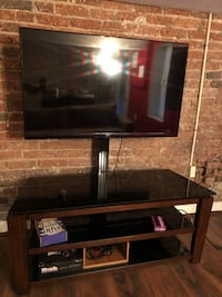 50 inch 3D TV with swivel stand Washington, 20002