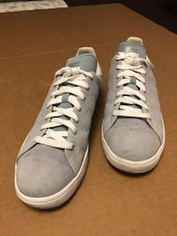 Good condition Adidas Stan Smith tennis shoes (light gray in colour ) Toronto, M6N 4Z9
