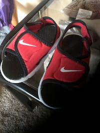 Nike sandals new Sioux Falls, 57104