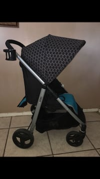 Urbini turni travel system / stroller / car seat / base/ blue  Bloomington, 92316