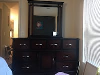 Queen 4 Piece Bedroom Set Reston, 20190