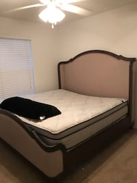 Bedroom set 475$ (king bed, mattress, two dressers and mirror 817 mi