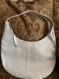 Devi Kroell for Target silver purse in great condition!  Summer purse El Paso, 79912