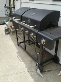 Kenmore gas grill, originally over 1500. Brand new Silvis, 61282