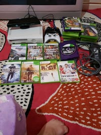 Xbox 360 with 2 controller  Toronto, M8V 1C3